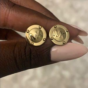 Cute stud designer earrings